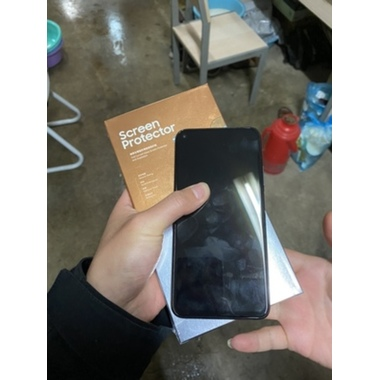 Защитное стекло для Huawei Mate 20, Vpro 0,3 мм - черная рамка, фото №8, добавлено пользователем