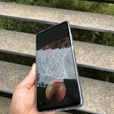 Защитное стекло для Huawei Mate 20, Vpro 0,3 мм - черная рамка, фото №2, добавлено пользователем